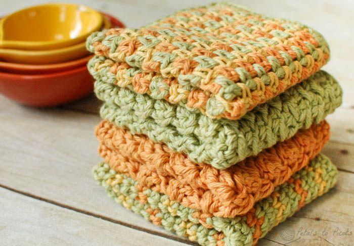 Crunchy Stitch Crochet Dishcloth Pattern  http://www.petalstopicots.com/2013/07/crunchy-stitch-crochet-dishcloth-pattern/