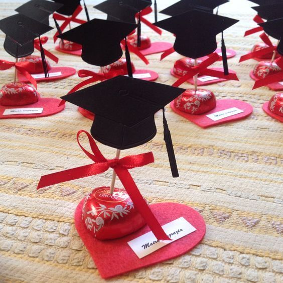 DIY graduation party centerpiece decorations