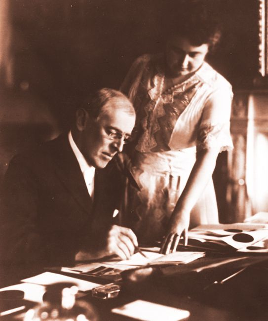 Woodrow Wilson (1856-1924), 28th President of the United States (1913-1921) and First Lady Edith Galt Wilson (1872-1961).  Two years into his presidency, President Wilson, a widower, aged 58, married widow Edith Bolling  Galt, aged 43, on December 18, 1915.