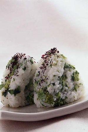 菜の花とゆかりのおにぎり。nanohana onigiri.
