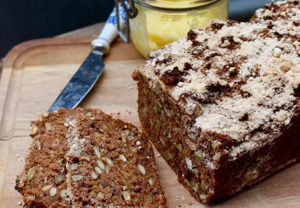 Önskas en ny frukostfavorit? Detta rejäla, naturligt glutenfria fullkornsbröd smakar som danskt rågbröd. Nilla Gunnarsson som givit ut flera böcker om glutenfri bakning ligger bakom denna pärla till recept. Brödet kan med fördel frysas in, på så sätt har du alltid gott nyttigt och naturligt glutenfr