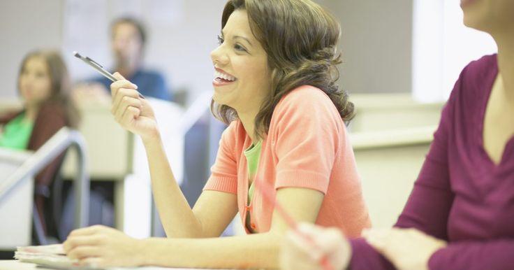 Cómo enseñar respeto en el salón de clases. Ser maestro representa algo más que transmitir conceptos científicos y matemáticos, los maestros también tienen la responsabilidad de inculcar en los estudiantes valores saludables, como el respeto. Enseñar a los alumnos sobre el respeto también tiene la ventaja añadida de crear un ambiente positivo en el aula, donde el personal y los estudiantes ...