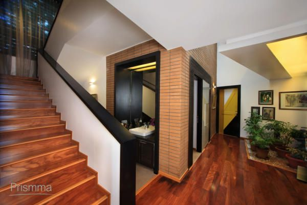 516 best staircase designs images on pinterest stairs for Exterior stairs designs of indian houses