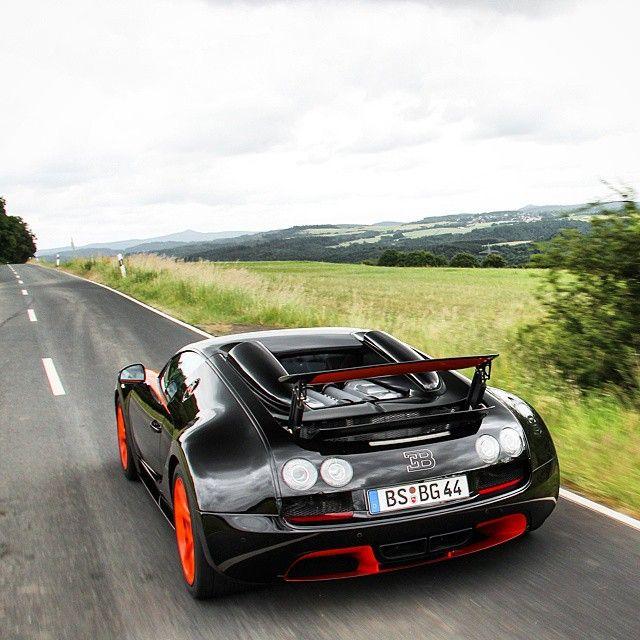 1000 images about bugatti veyron 16 4 grand sport vitesse on pinterest. Black Bedroom Furniture Sets. Home Design Ideas