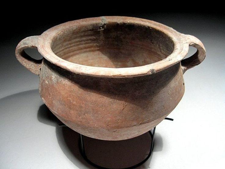 Beautiful clay Roman cook pot