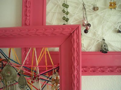 Mama Without Borders: Vintage frames repurposed into jewelry holders