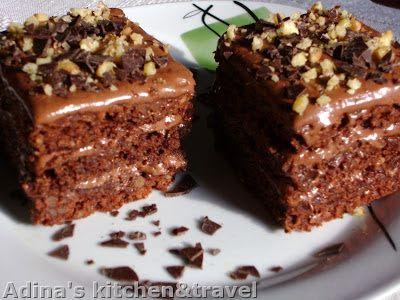 Adina's kitchen & travel: Prajitura cu ciocolata si nuca (Snickers)
