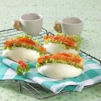 BAKPAO SANDWICH KATSU PEDAS http://www.sajiansedap.com/mobile/detail/15720/bakpao-sandwich-katsu-pedas