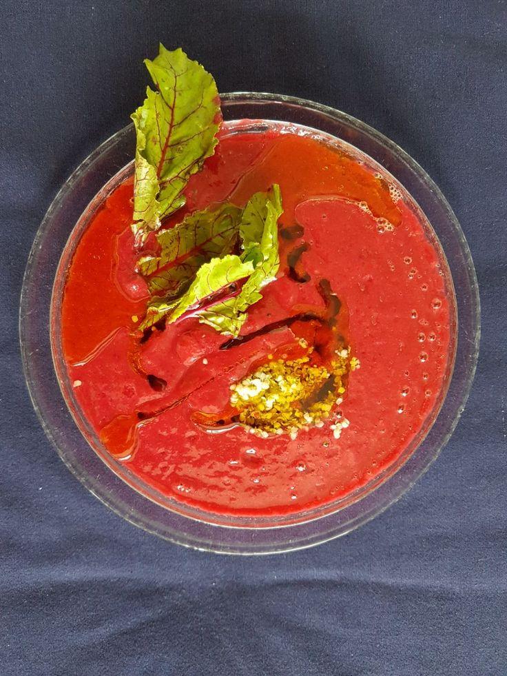 Сыроедный борщ. Игра красок! А эти краски даёт свекла, морковь, авокадо, сладкий перец, лимонный сок, мёд, семена конопли, морская соль и растительное масло. В блендер до пюреобразного состояния! Приятного аппетита! Добро пожаловать на наш сайт www.intelligenthumanity.com