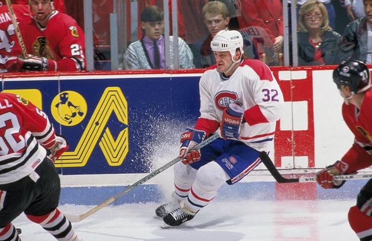 Claude Lemieux : En 1990, le Tricolore l'a échangé au New Jersey en retour de l'attaquant Sylvain Turgeon. À sa cinquième saison avec les Devils, il a permis à l'organisation de remporter la première coupe Stanley de son existence en plus de recevoir le trophée Conn-Smythe. En octobre 1995, il a pris la direction du Colorado dans un échange à trois équipes et a de nouveau fait des siennes en aidant les défunts Nordiques de Québec à mettre la main sur leur première coupe Stanley au printemps…