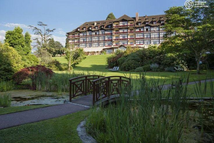 Rhône-Alpes, Evian-les-Bains, idéalement situé dans un parc naturel, découvrez sans plus attendre l'Hôtel Ermitage - Evian Resort avec Bontourism®, Tout l'Art du Voyage