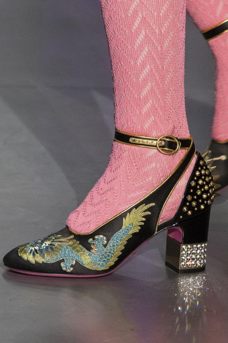 Gucci Fall 2017 Fashion Show Details - The Impression