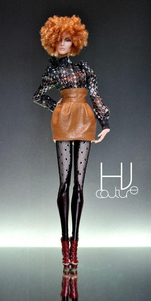 Cute leather skirt, female fashion doll.