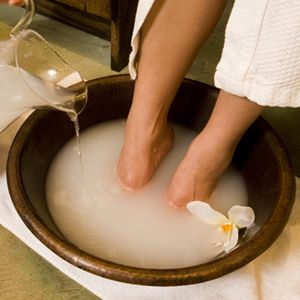One of the best softening, detoxifying foot soaks ever! Fill a large bowl with warm water and add 1 cup apple cider vinegar with 1 cup Epsom salt. Soak your feet for 10-15 minutes, rinse and lightly scrub with pumice stone.