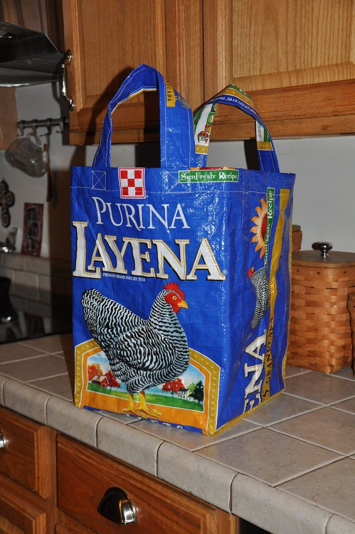 Community Chickens: DIY: Chicken Feed Sack Tote. Can do with dog food bags too!
