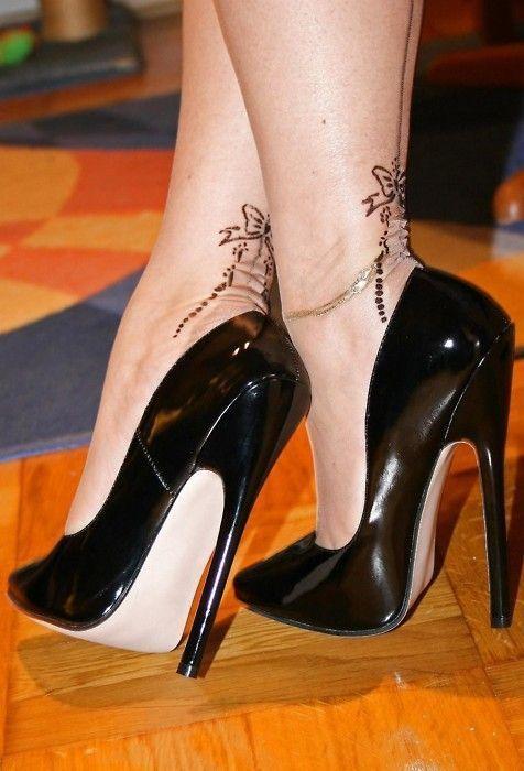 Bow Stockings & Heels These would be cute tats #highstilettoheels #stilettoheelsnylons #highheelbootsoutfit