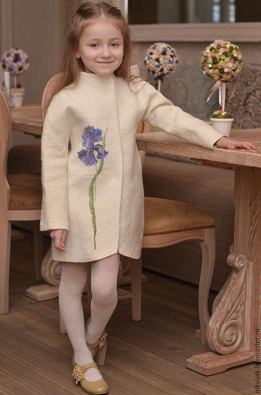 """Купить Пальто-кокон валяное """"Имя Ирис"""" - белый, цветочный, ирис, пальто, пальто-кокон"""