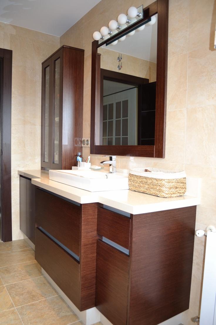 Mueble de ba o en tablero marino y silestone beige for Muebles beige