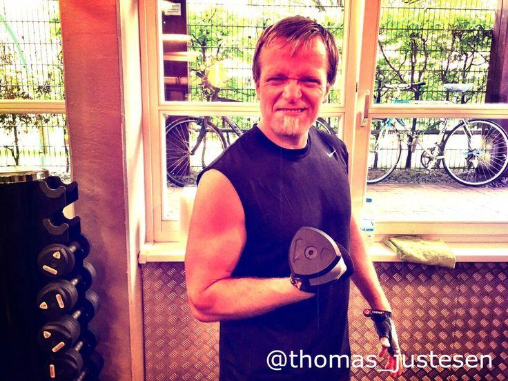 Workout med de store vægte i Hamborg! :) #workout #workouts #workouttime #fitness #fitnessaddict #fitnessfreak #rejse #rejser #rejseliv #rejseblog #rejsefeber #rejsetips #hamborg #hamborg2015 #tyskland #tysklandstur #tyskland2015 #frihed #friheden