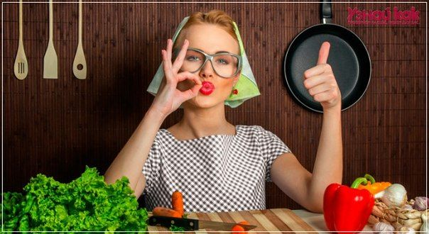 16 кулинарных хитростей от домохозяек1. К смеси творога яйца муки для сырников добавить немного растительного масла. Они получаются пышнее и вкуснее .2. Шкурки с сала хорошо добавить при варке холодца…