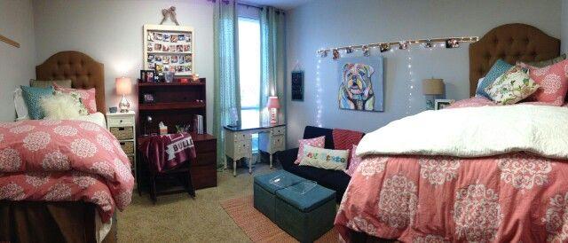 Mississippi State dorm room!  Magnolia Hall   dorm room tufted headboard