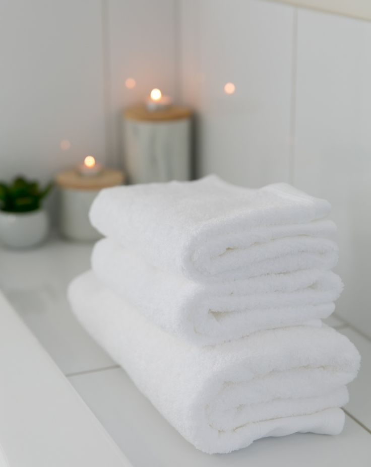 Pure white cotton towels. 600 gsm 100% Egyptian Cotton. Bath size 70 cm x 140 cm $19