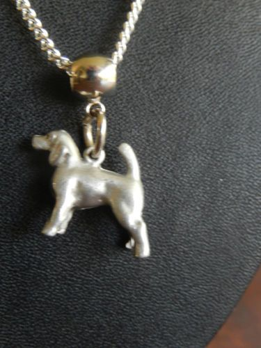 Beagle-Snoopy-hound-dog-breed-Pewter-charm-on-silver-plated-necklace
