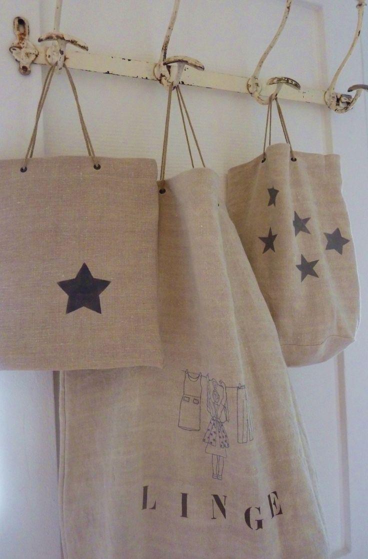 Petits sacs à linge customisés de jolies étoilesgrises