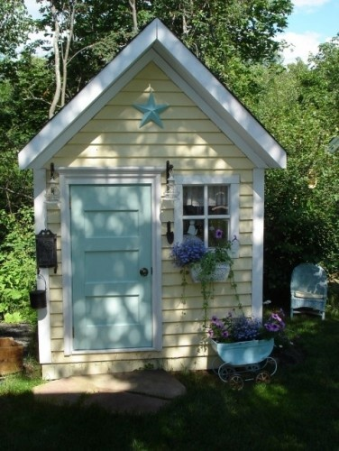 spruce up ideas for playhouse- new paint on door, remove porch, mailbox,