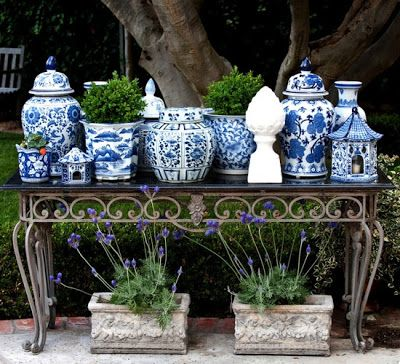 Love the juxtaposition between the old iron and the blue and white collection. How do you get a collection?  Start young, look for it everywhere you go (travelling, flea markets, TJ Maxx, Grandma's attic)  FROM: habituallychich.blogspotco.uk