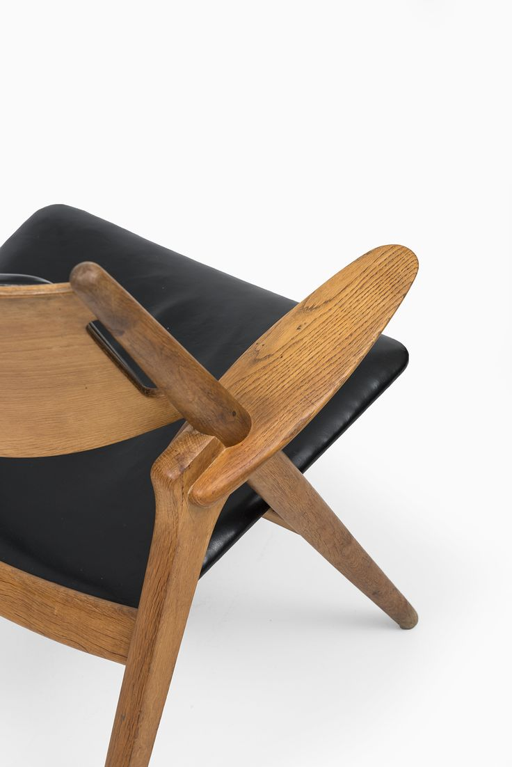 hans wegner ch 28 in oak and black leather at studio. Black Bedroom Furniture Sets. Home Design Ideas