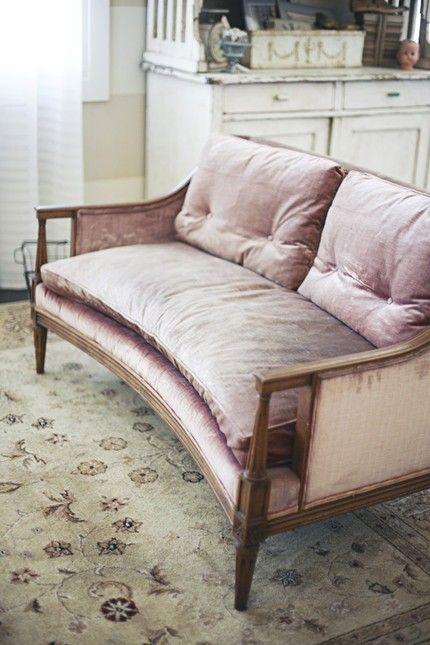 Dusty soft pink velvet vintage settee