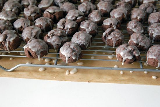 """""""Aunt Polly's Italian Chocolate Cookies"""" -- glazed cocoa cookies with a bit of spice (cinnamon & clove) make these holiday perfect!"""