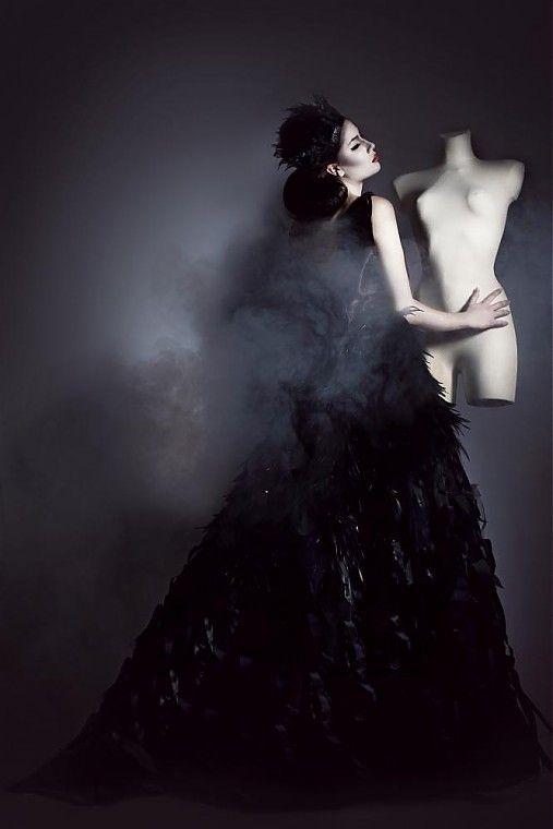 SeeChic / Raven Queen