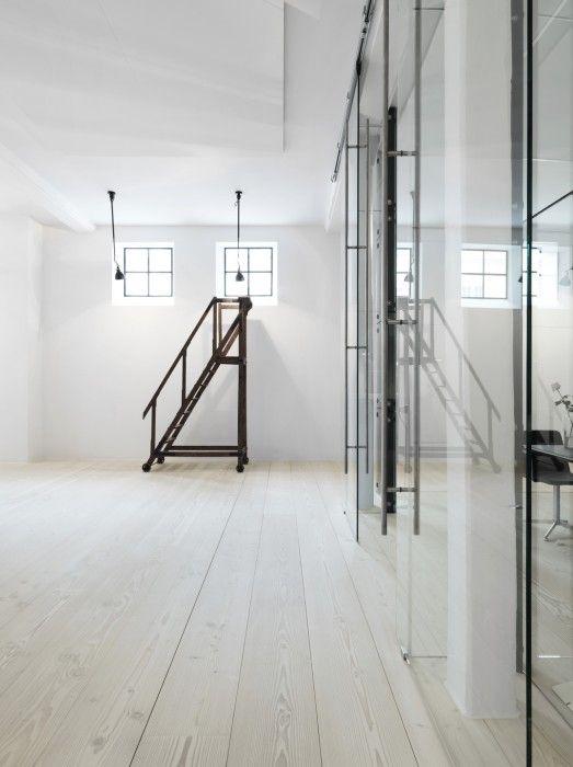 Carliis Office - Dinesen