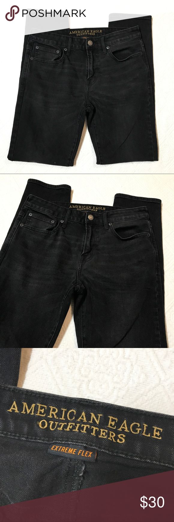 Skinny American Eagle Men's jeans size 32 EUC skinny American Eagle Men's jeans extreme flex. No flaws great condition! American Eagle Outfitters Jeans Skinny