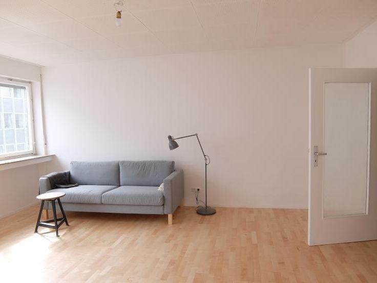 Ber ideen zu minimalistische wohnung auf pinterest for Wohnzimmer zur mitte