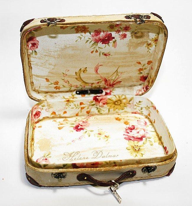 how to: mini suitcase - with Altoids tin??
