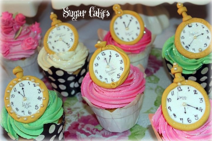 Clicking watch cupcakes