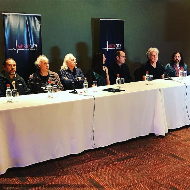 """@losjaivasoficial en conferencia de lanzamiento de la gira nacional 2017 con """"Obras de Violeta Parra""""."""