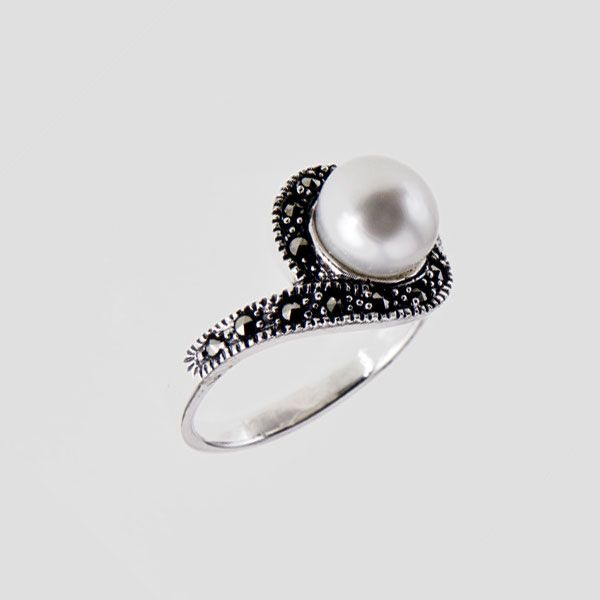 Marcasite Ring with Large Pearl Centre