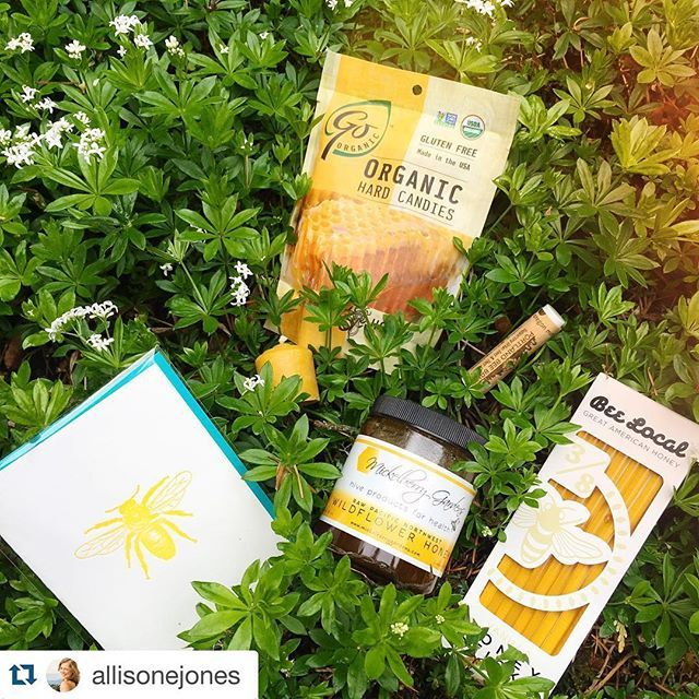 April box reveal with a little #repost help from @allisonejones! ・・・ Don't you just love it that there are enough people making a living by celebrating bees that there's now a monthly gift box to feature them?!  (scheduled via http://www.tailwindapp.com?utm_source=pinterest&utm_medium=twpin&utm_content=post108450057&utm_campaign=scheduler_attribution)
