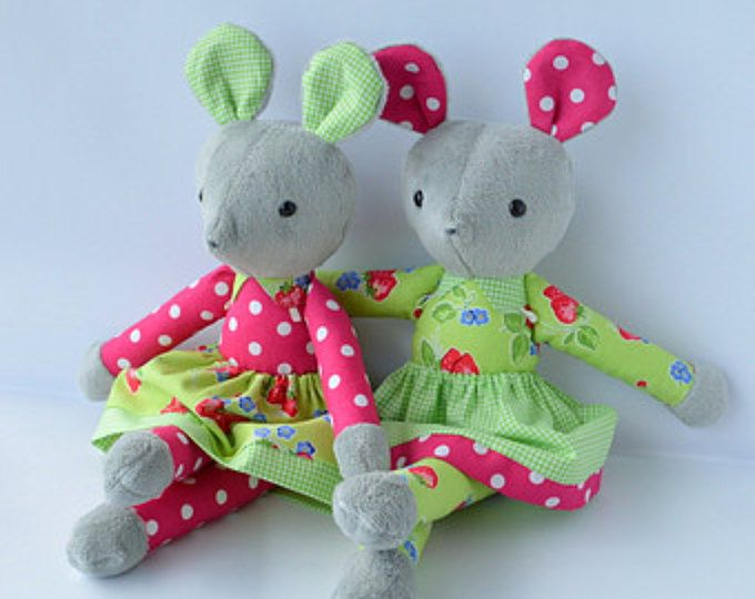 PDF sewing pattern mouse soft toy, Stuffed doll Plushie, Little 'COUNTRY MOUSE'