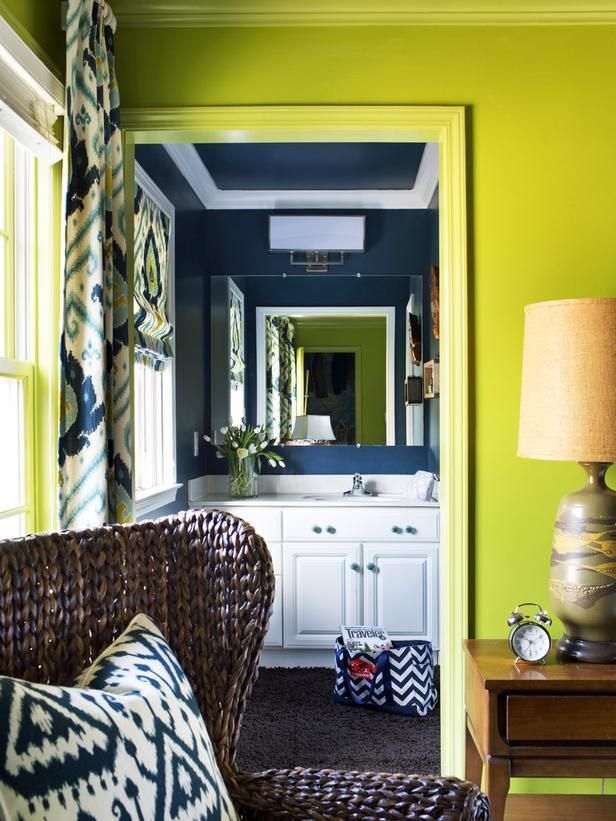 Simple and stylish DIY tricks turn a spatially challenged en suite bathroom into a bold-colored showstopper.Bathroom Design, Decor Ideas, Gardens Television, Suits Bathroom, En Suits, Painting Colors, Small Bathroom Makeovers, Bold Colors, Trendy Small Bathroom
