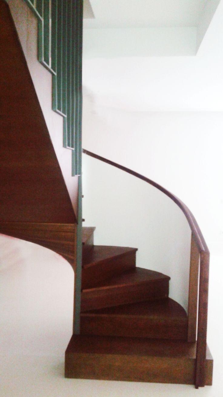escalera curva madera www.polosequerosarquitectos.com
