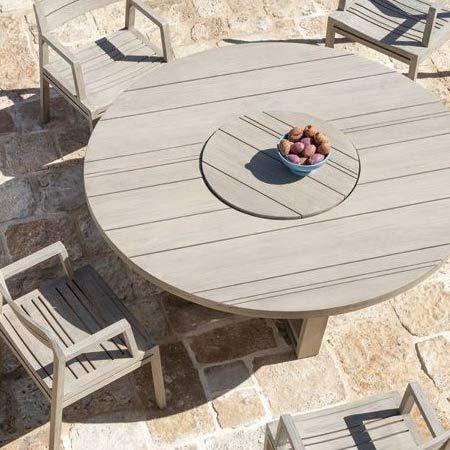 Tavoli da giardino di Ethimo, moderni per l'arredo outdoor