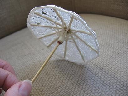 "Miniature umbrella using drink umbrella ""bones"" http://kotisivu.surffi.net/~nukke/paivanvarjo.html"