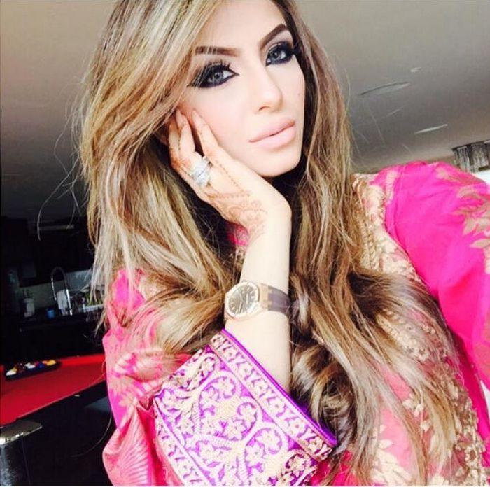Faryal Makhdoom Wikipedia, Bio, Makeup And More - GLAMOROUS