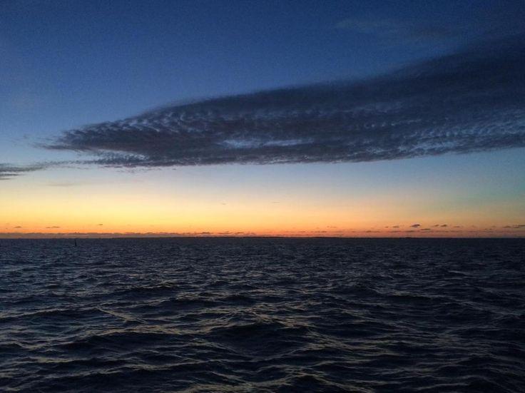Avond valt over Unesco #Werelderfgoed #waddenzee. Op weg terug v. #Rottumeroog nu onderlangs Schier. @staatsbosbeheer