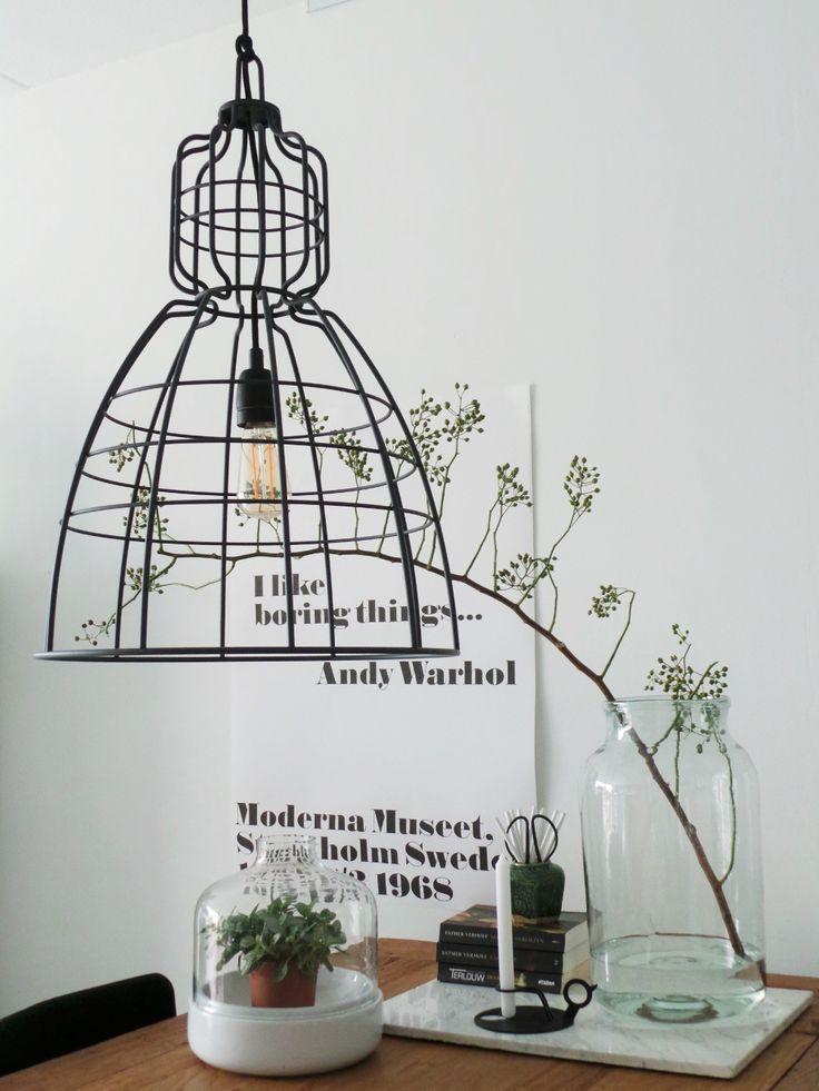 Een gave industriële lamp die veel licht geeft #annelighting #hanglamp